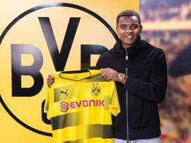 Manuel Akanji, o novo jogador do Borussia Dortmund. BVB