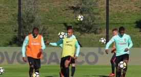 A concorrência na Seleção portuguesa é muita na posição de Nélson Semedo. Twitter/FPF