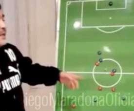 Maradona protagonizó una charla técnica que se volvió viral. Instagram/maradona