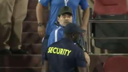 Maradona, expulsado por primera vez en los Emiratos. Captura