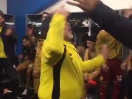 Maradona y sus pupilos festejaron por todo lo alto. Twitter/Dorados