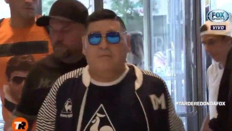 Maradona aterrizó en Rosario. Captura/FOXSportsArg