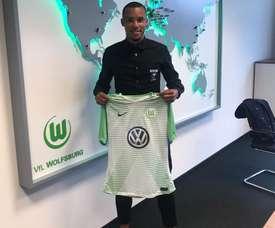 Marcel Tisserand signe à Wolfsburg. VfLWolfsburg