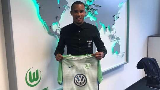 Tisserand, o novo jogador do Wolfsburgo. VfLWolfsburg