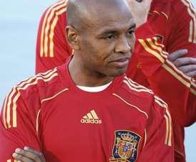El ex jugador exhibió su gran fútbol en un partido de leyendas. EFE