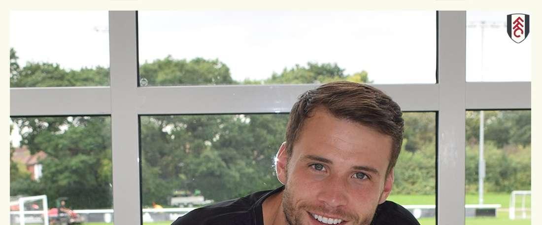 El meta inglés renovó su contrato con los 'cottagers'. FulhamFC