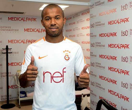 Mariano ficará livre no mercado e teria aceitado oferta do Galo. GalatasaraySK