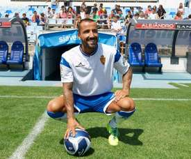 Mario Álvarez, durante su presentación como jugador del Zaragoza. Twitter