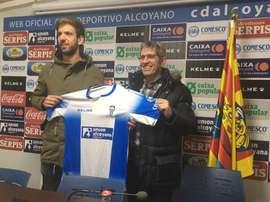 Arques ya es nuevo jugador del Alcoyano. CDAlcoyanoSAD