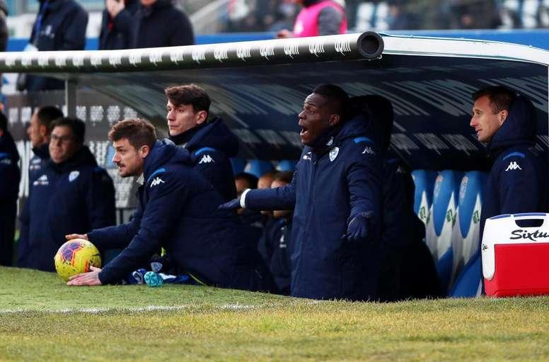 Balotelli, ausente nas oito sessões de treinamento do Brescia. EFE