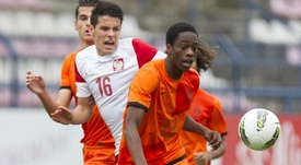 El joven futbolista polaco Mariusz Stepinski jugará en el Nantes. UEFA