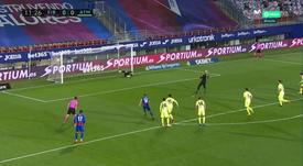 Eibar keeper Dmitrovic put the Basques in front v Atletico. Screenshot/MovistarLaLiga