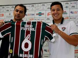Marlon posa con la camiseta de Fluminense. FluminenseFC