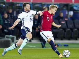 Odegaard se lesionou com a Noruega e desfalcará o Rael Madrid. EFE