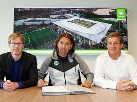 Acabou o tempo de Schmidt, depois do desaire frente ao Bayern. Twitter/VfL Wolfsburg