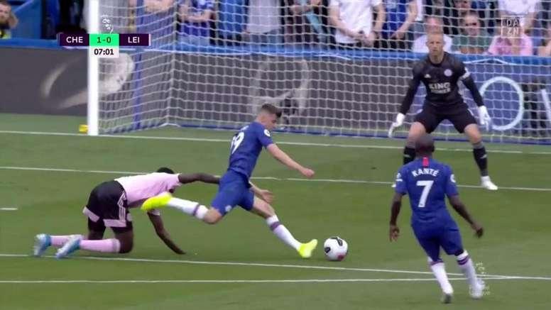 Mount ouvre le score pour Chelsea et inscrit son premier but de la saison. Capture/DAZN