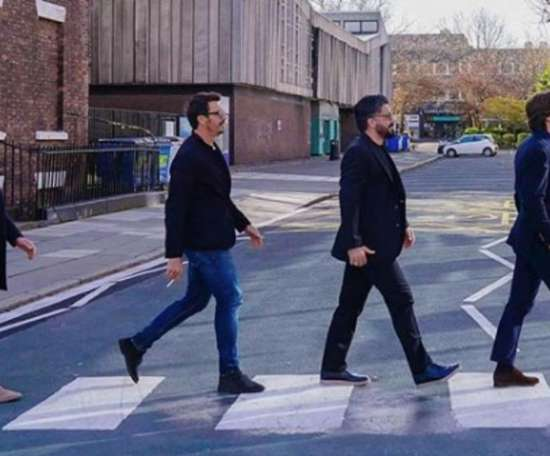 Ambrosini,  Oddo, Gattuso e Pirlo imitaram a foto dos Beates. Instagram/massimoambrosini