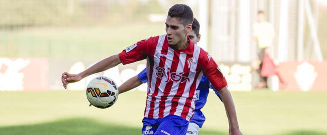 Mateo Arellano ha renovado su contrato con el Sporting de Gijón. RealSporting