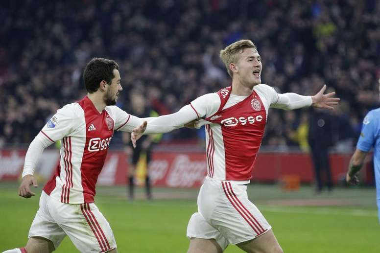 El Ajax se mide al Real Madrid. Twitter/AFCAjax