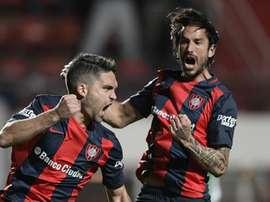 Matías Caruzzo marcó el primer gol de San Lorenzo ante Banfield. EFE/AFP