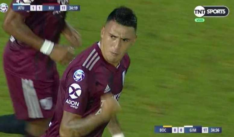 Suárez igualó la contienda a poco del descanso. Captura/TNT Sports