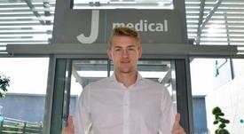 De Ligt realiza os exames médico na Juventus. Twitter/Juventusfc