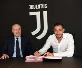 Lateral italiano assinou até 2022 com a 'Vecchia Signora'. JuventusFC