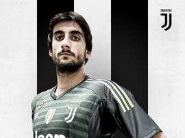 Perin é oficializado na Juventus. Twitter/Juventus