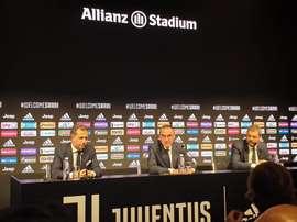 Sarri fue presentado como entrenador de la Juventus. JuventusFC