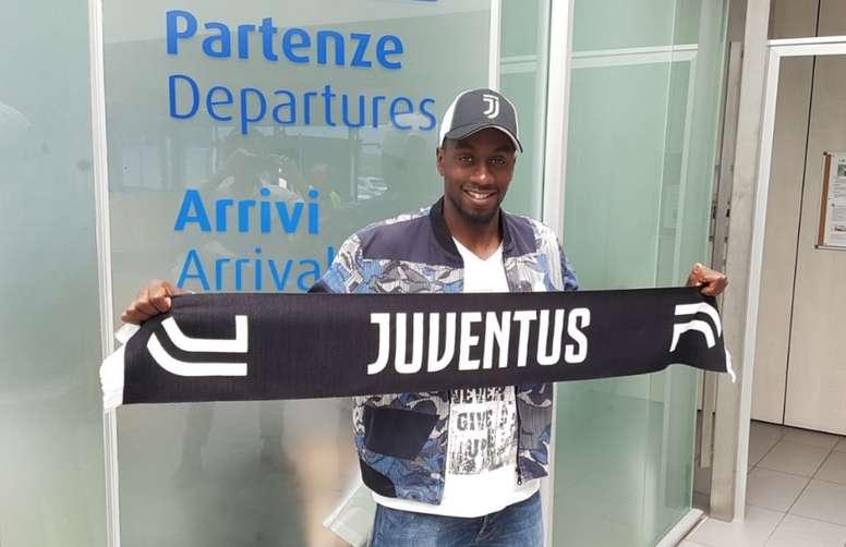 Matuidi ya llegó a Turín. Twitter/Juventus