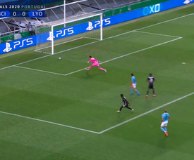Lyon went in front against City. Screenshot/MovistarLigadeCampeones
