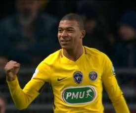 Mbappé celebra o primeiro gol da partida. Vinham aí mais seis. Twitter/SC_Espn