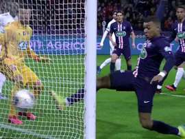 PSG hit back quickly through Mbappe after failling behind early on. Captura/beINSports