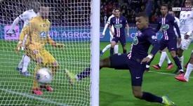 Mbappé enmendó el error de Kurzawa y empató en tres minutos. Captura/beINSports