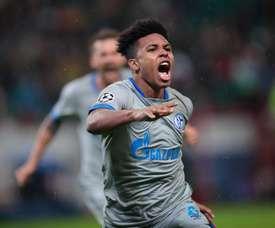 Schalke 04 prolonge McKennie jusqu'en 2024. Twitter/s04_es