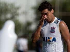 A emotiva despedida de Jadson do Corinthians. Twitter @otempo