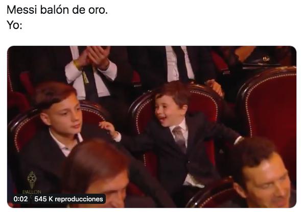 Mateo Messi tuvo su cuota de protagonismo en la gala del Balón de Oro. Twitter/FrenkieSSJ