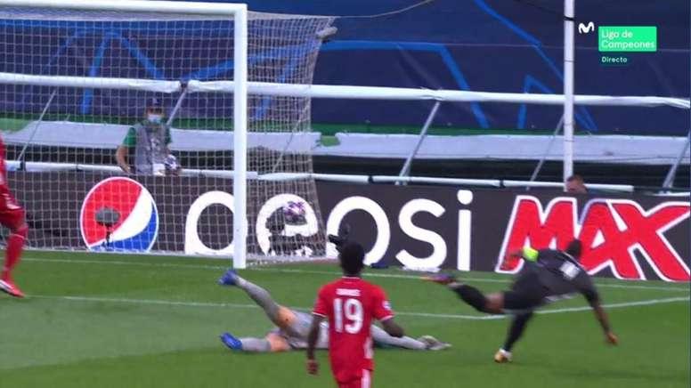 Lyon almost went 1-0 up. Screenshot/MovistarLigadeCampeones