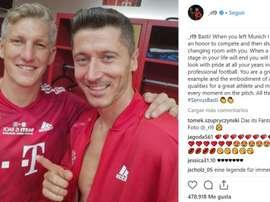 Lewandowski souhaite le meilleur à Schweinsteiger pour le futur. RobertLewandowski