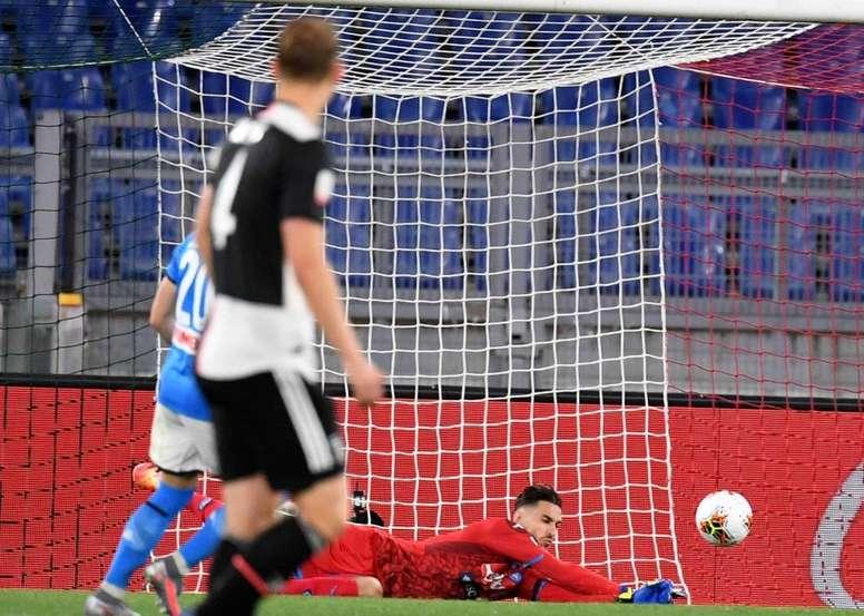 Napoli won the 2019-20 Coppa Italia on penalties against Juventus. Twitter/sscnapoli