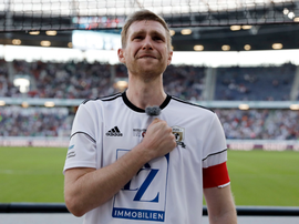 Mertesacker was left in tears after being replaced by his 67-year-old father. Twitter/Hannover96