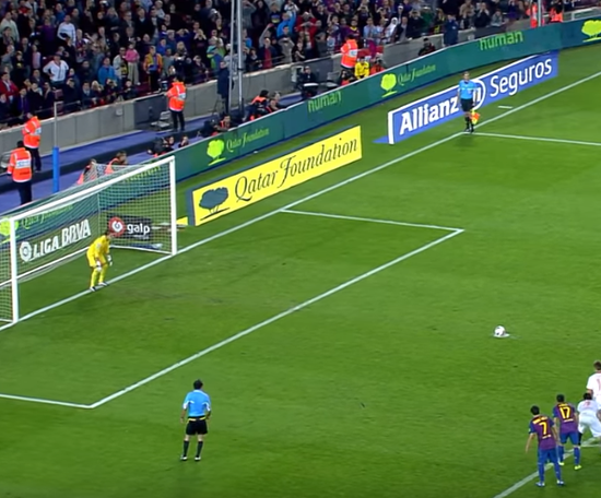 Javi Varas le amargó la noche a Messi. Captura