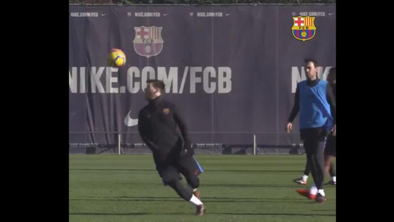 Messi dio un recital en el último entrenamiento antes del Chelsea. Twitter/FCBarcelona