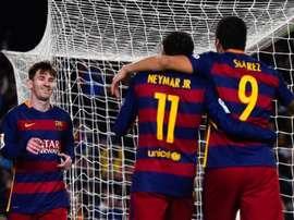 Messi, Neymar y Suárez celebran un tanto con el Barcelona. Twitter