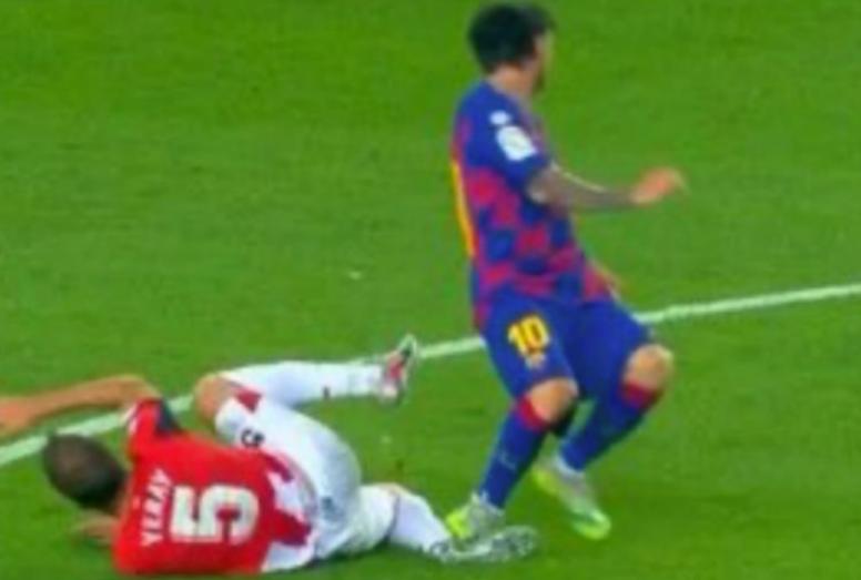 Messi pisó de refilón a Yeray. Captura/Movistar