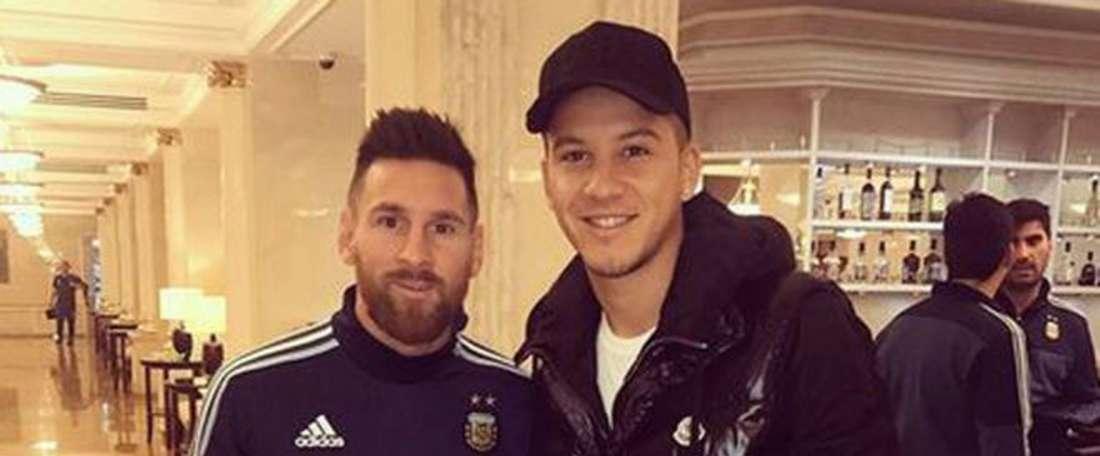 Messi mistook Driussi for a fan. Instagram/Driussi