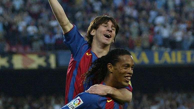 Sacré rigolo ce Ronaldinho ! AFP