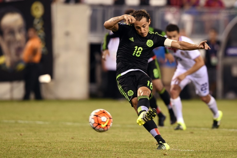 Mexico advances in Gold Cup after controversial call ...
