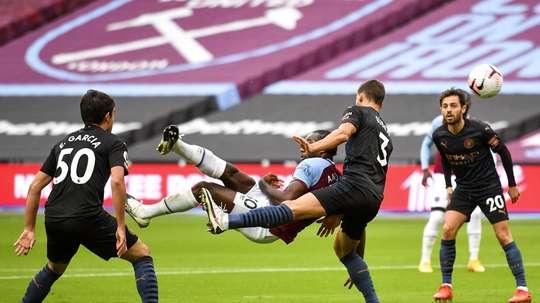 Michail Antonio marcou o gol do West Ham contra o Manchester City pela Premier League. EFE