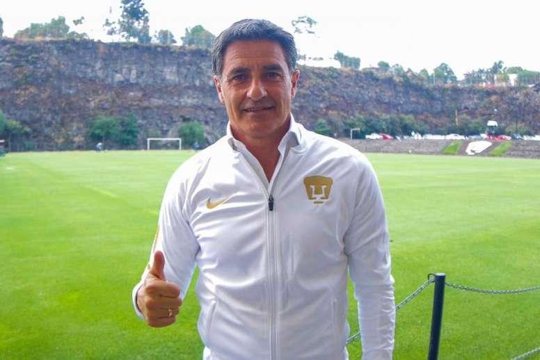 Míchel, presentado con Pumas. Twitter/MichelGonzalez